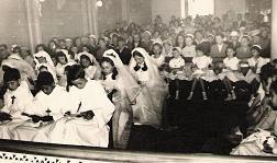 Les communiants dans l`église