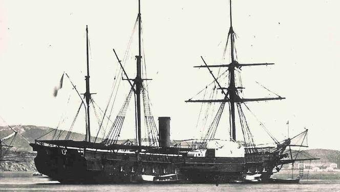 Le `Labrador`, bateau à vapeur utilisé pour traverser la méditerranée.