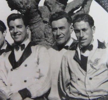 Les deux frères Baëza , musiciens.