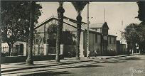 A gauche de la salle des fêtes se trouvait le boulodrome.